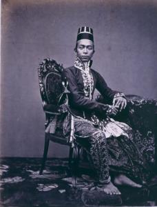Pangeran Ngabehi (later Sultan Hamengku Buwana VII), Yogyakarta, 1862-1865 (Tropenmuseum)