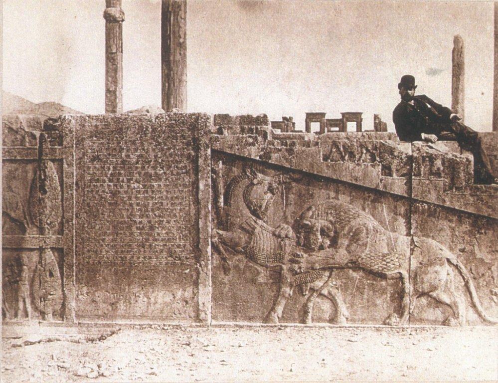Persepolis, ca. 1880-1890, foto: Anton Sevruguin (Rijksmuseum Volkenkunde Leiden)